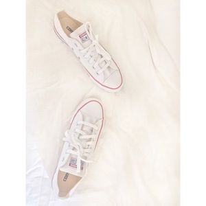 NEW White Converse All Star ⭐️